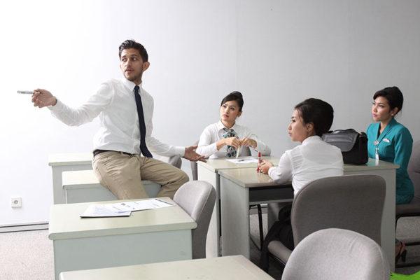 English Training Makassar